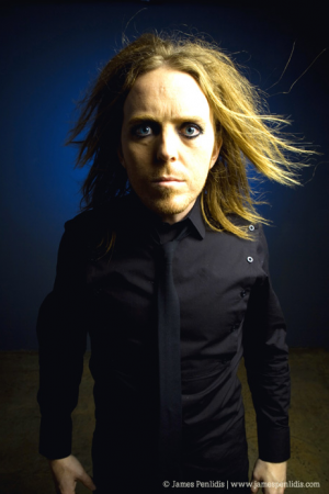 Book comedian Tim Minchin for your next event